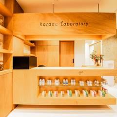 Kalabo Laboratory: STaD(株式会社鈴木貴博建築設計事務所)が手掛けたフローリングです。