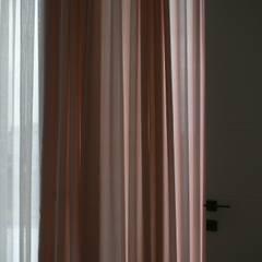 Lina İç Mimarlık – Modern Villa Projesi:  tarz Kız çocuk yatak odası
