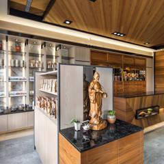 عيادات طبية تنفيذ 大漢創研室內裝修設計有限公司, أسيوي خشب متين Multicolored