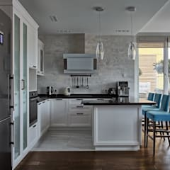 Built-in kitchens by 'INTSTYLE'