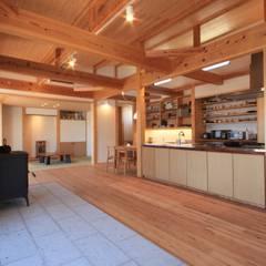 Living room by 田村建築設計工房