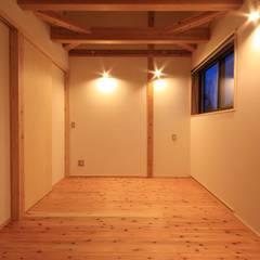 غرفة نوم مراهقين  تنفيذ 田村建築設計工房,