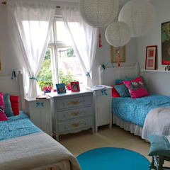 Injecting colour and style in interiors:  Bedroom by Belle & Cosy Interior Design