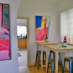 Injecting colour and style in interiors:  Dining room by Belle & Cosy Interior Design