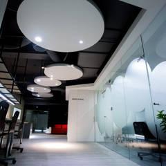 中瀛科技實驗室  辦公室設計:  辦公大樓 by 成寰設計有限公司