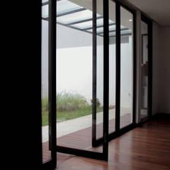 Windows by SAE Studio (PT. Shiva Ardhyanesha Estetika), Tropical