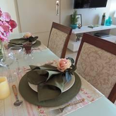 APARTAMENTO MAR DO CARIBE: Salas de jantar ecléticas por Estúdio_2M
