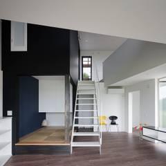 音楽スタジオのあるハコノオウチ12: 石川淳建築設計事務所が手掛けた和室です。,ミニマル
