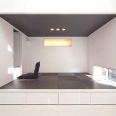 タタミスペース: 松井設計が手掛けたフローリングです。