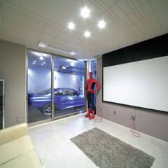 ホームシアター: 松井設計が手掛けたフローリングです。