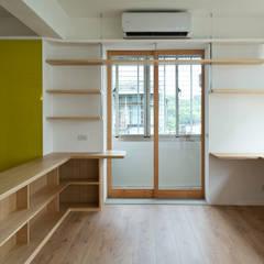 pintu kaca oleh 王采元工作室, Modern