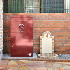 戸建住宅用・宅配ボックス「Brizebox - ブライズボックス」: ボウクス株式会社が手掛けたアプローチです。