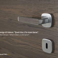 Puertas de madera de estilo  por Effebiquattro S.p.A.