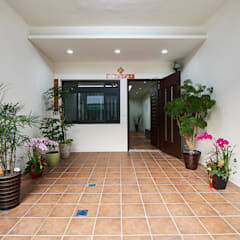 Garages de estilo  por 瑞瑩室內裝修設計工程有限公司