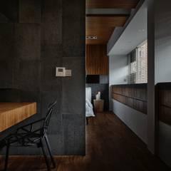 侘寂宅居:  牆面 by 大湖森林室內設計