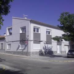 Vivienda unifamiliar en Muro de Alcoy: Casas unifamilares de estilo  de MONTCABRER ARQUITECTURA