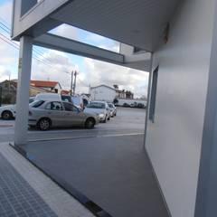 Transportes Pelichos - Santana: Escritórios  por Escala Absoluta