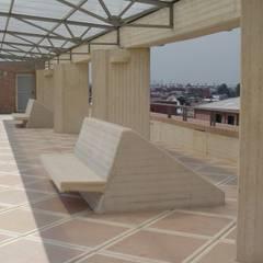 Hogar Santa Teresa Jornet: Salones de conferencias de estilo  por Polanco Bernal Arquitectos , Moderno