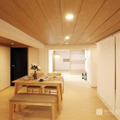 asian Dining room by 주식회사 착한공간연구소