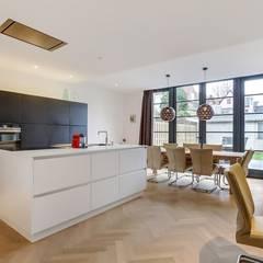 Interne verbouwing Leiden Moderne keukens van Puurbouwen Modern