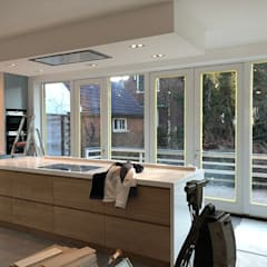 Verbouwing woonhuis Aerdenhout:  Keukenblokken door Puurbouwen