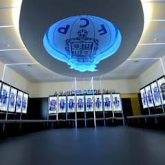 Dressing room F.C.Porto Football Team: Ginásios  por bkx arquitectos