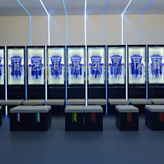 Dressing room F.C.Porto Football Team: Ginásios  por bkx arquitectos