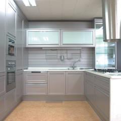세련미와 깔끔함이 돋보이는.. 스마트, 심플, 쿨한 주방 - 보넨핑크: 씽크박사 의  빌트인 주방