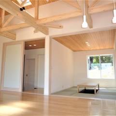 和室: 松井設計が手掛けた和室です。