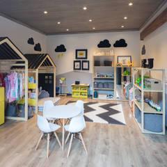 Casa CL: Recámaras infantiles de estilo  por Concepto Taller de Arquitectura