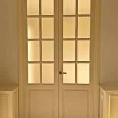 Portes de style  par Estudio Ortolá Arquitectos