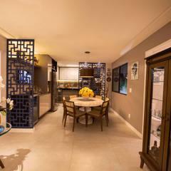 Casa de Campo Gravatá: Salas de jantar  por Marilia Wanderley Arquitetura,Campestre