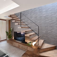Stairs by 有限会社 秀林組