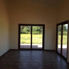 Construcción casa de 130 m2: Comedores de estilo  por AG Gestión