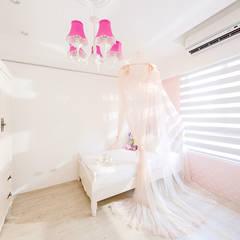 Dormitorios de estilo  por 文儀室內裝修設計有限公司