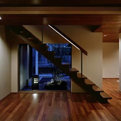Escaleras de estilo  por Architect Show co.,Ltd