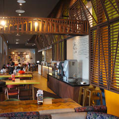 Nando's Restaurant at Vivacity Megamall, Kuching:  Commercial Spaces by Alto Builders Sdn Bhd