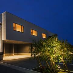 J-office「水平と垂直の建築」: Architect Show co.,Ltdが手掛けたオフィスビルです。
