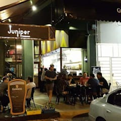 Juniper Restaurant, Kuching:  Bars & clubs by Alto Builders Sdn Bhd