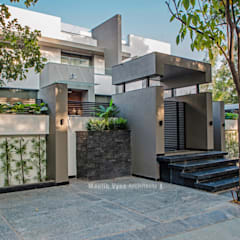 Bungalow by Maulik Vyas Architects