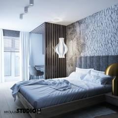 Sypialnia Z Miejscem Do Pracy: styl , w kategorii Sypialnia zaprojektowany przez MIKOŁAJSKAstudio