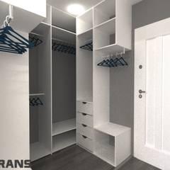Dressing room by Студия дизайна интерьера L'grans