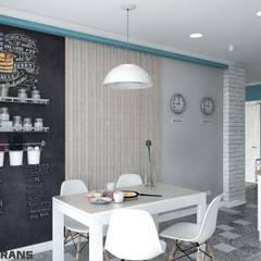 Дизайн интерьера 1к. квартиры в ЖК Golden Keys, г. Хабаровск: Кухни в . Автор – Студия дизайна интерьера L'grans