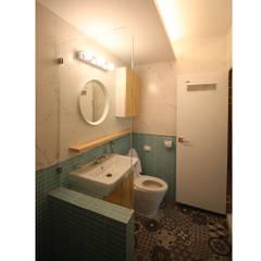 modern Bathroom by 덴보드