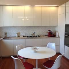 cucina: Cucina in stile  di Architetto Paola Pedretti