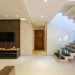 Reforma Residencial : Escadas  por Arquiteta Carol Algodoal Arquitetura e Interiores