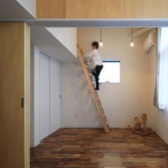 五十町の家~家族がくつろぐ家~: ㈱ライフ建築設計事務所が手掛けた子供部屋です。,