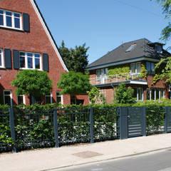 Modell Bergedorf:  Vorgarten von Nordzaun