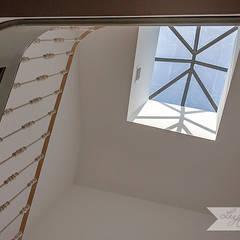 Apartamento T1 – Alfama, Lisboa, PT por Lu Haddad Surface and Interior Designer Escandinavo