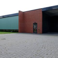 Bedrijfswoning:  Kantoorgebouwen door [delacourt][vanbeek]